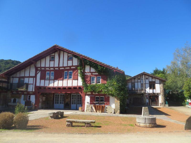 Maison-labourdine-a-St-Pee-sur-Nivelle-800