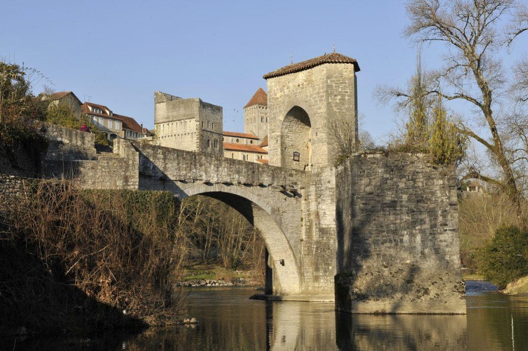Sauveterre de Béarn pont de la Légende 001 ©CG64-JM Decompte