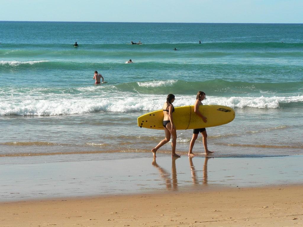 Biarritz Cote des basques surfeurs plage 005 ©CDT64