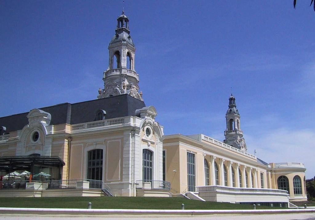 Pau Palais Beaumont centre congrès ©OMTPau-Guilhamasse
