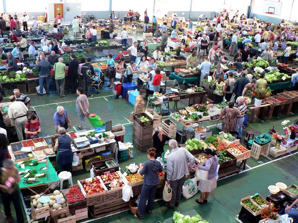 Pau le marché aux halles 02 ©CDT64
