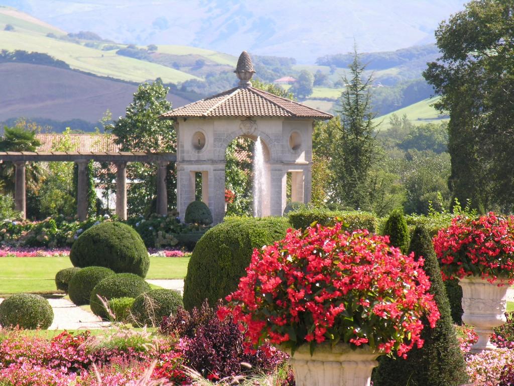 Villa Arnaga pergola 01 ©Villa Arnaga